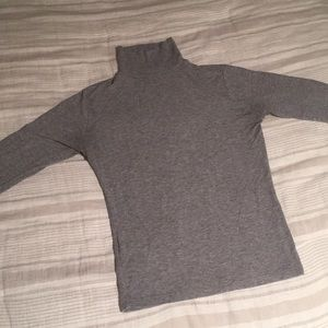GREY BRANDY MELVILLE TURTLENECK